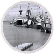 Black And White Fishing Boats On The Dock Round Beach Towel