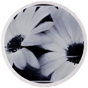 Black And White Floral Art Round Beach Towel