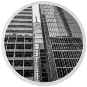 Black And White Philadelphia - Skyscraper Reflections Round Beach Towel