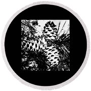 Black And White Pine Cone Round Beach Towel