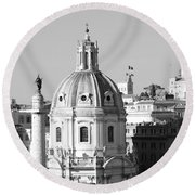 Black And White Rooftop In Rome Round Beach Towel