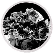 Black And White Roses Round Beach Towel