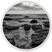 Black And White Sunset At Low Tide Round Beach Towel
