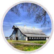 White Windows Historic Hopkinsville Kentucky Barn Art Round Beach Towel