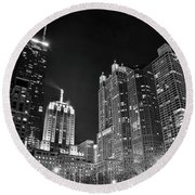 Black Night In The Windy City Round Beach Towel