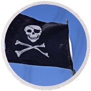 Black Pirate Flag  Round Beach Towel