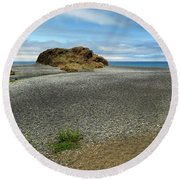Black Sand Beach On The Lost Coast Round Beach Towel