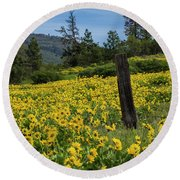 Blooming Fence Round Beach Towel