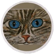 Blue Eyed Tiger Cat Round Beach Towel