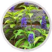 Blue Ginger At The Wall Round Beach Towel