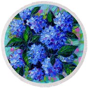 Blue Hydrangeas - Abstract Floral Composition Round Beach Towel