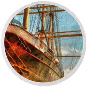 Boat - Ny - South Street Seaport - Peking Round Beach Towel by Mike Savad