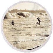 Body Surfing Family Round Beach Towel