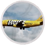 Boeing 737-204 Ryanair Round Beach Towel