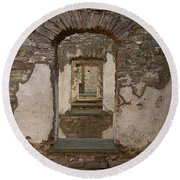 Borgholm Castle Round Beach Towel