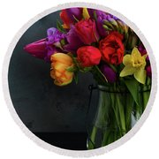 Spring Flowers In Vase Round Beach Towel
