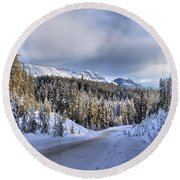 Bow Valley Parkway Winter Conditions Round Beach Towel