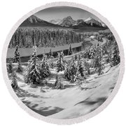 Morant's Curve Black And White Round Beach Towel