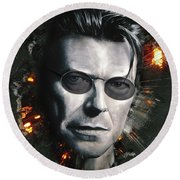 Bowie With Glasses Round Beach Towel