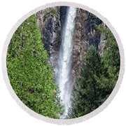 Bridalvail Fall And Raven Round Beach Towel