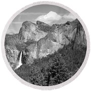 Bridalveil Falls From Tunnel View B And W Round Beach Towel