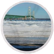 Bridge At Winter Round Beach Towel
