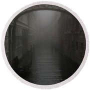 Bridge Of Sighs, Venice, Italy Round Beach Towel