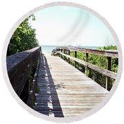Bridge To Paradise Gp Round Beach Towel