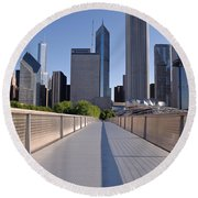 Bridgeway To Chicago Round Beach Towel