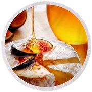 Brie Cheese With Figs And Honey Round Beach Towel
