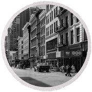 Broadway, New York In Black And White Round Beach Towel