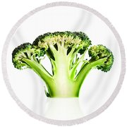 Broccoli Cutaway On White Round Beach Towel