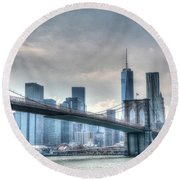 Brooklyn Bridge And The Lower Manhattan Financial District Round Beach Towel