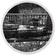 Bryant Park In Black And White Round Beach Towel