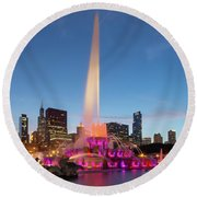 Buckingham Fountain At Dusk II Round Beach Towel
