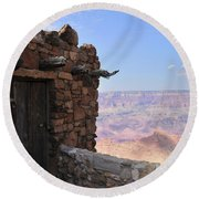 Building On The Grand Canyon Ridge Round Beach Towel