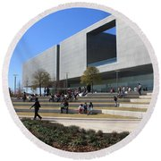 Busy Day At Tampa Museum Of Arts Round Beach Towel