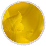 Butter Fingers Round Beach Towel