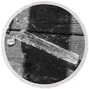 Bw Fallen Icicle Round Beach Towel