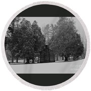 Cabin Between The Cedars Round Beach Towel