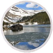Cabin On Chinns Lake 2 Round Beach Towel