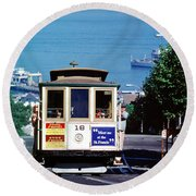 Cable Car 18 Heading Up The Hyde Street Line Round Beach Towel