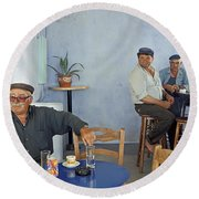Cafe In Greece Round Beach Towel