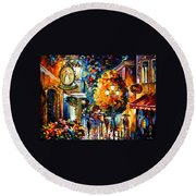 Cafe In The Old City Round Beach Towel