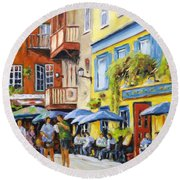 Cafe In The Old Quebec Round Beach Towel