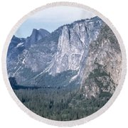 California: Yosemite Valley Round Beach Towel