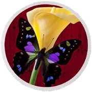 Calla Lily And Purple Black Butterfly Round Beach Towel by Garry Gay