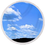 Can I Hitch A Ride? Round Beach Towel