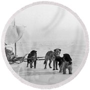 Canada: Dogsledding Round Beach Towel