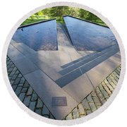 Canadian War Memorial Green Park London Round Beach Towel